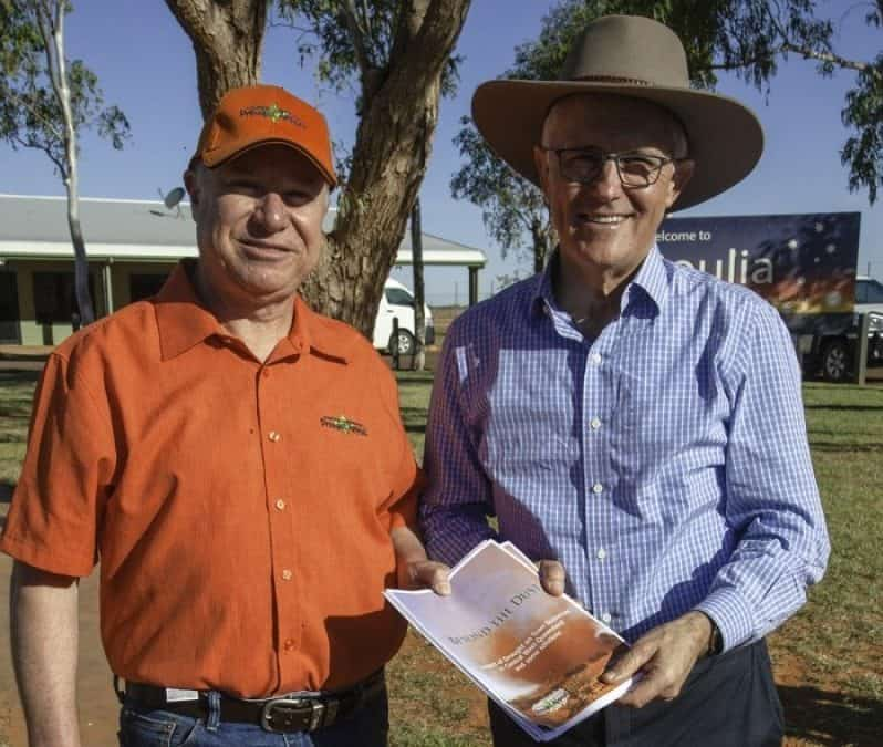 ARS PRESIDENT HELPS SHARE GRAZING STRATEGY INFORMATION WITH THE PRIME MINISTER